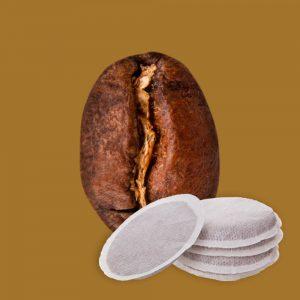 Nahaufnahme Kaffeebohne Kolumbien und Kaffeepads